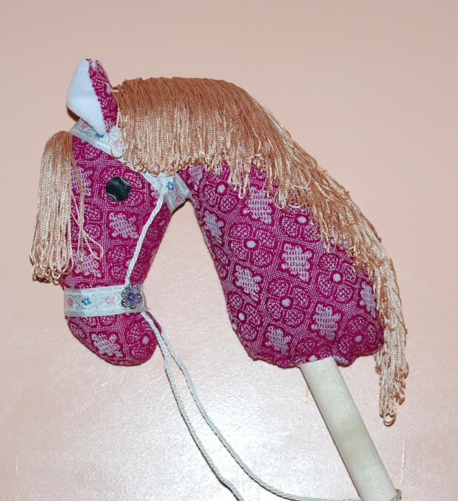 Как сделать лошадь своими руками фото